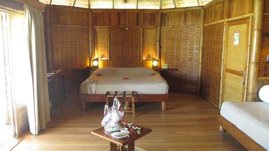 Tikehau Pearl Beach Resort : le lit king size