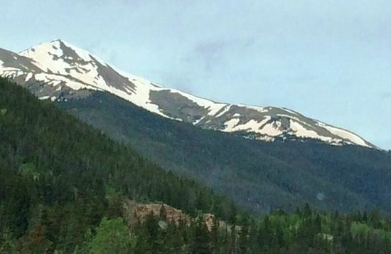 The Maxwell Inn: View of Rocky Mountain National Park