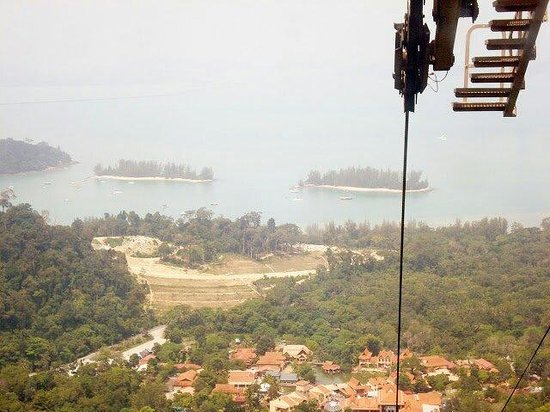 Langkawi Sky Cab: Nearby islands can be seen easily.