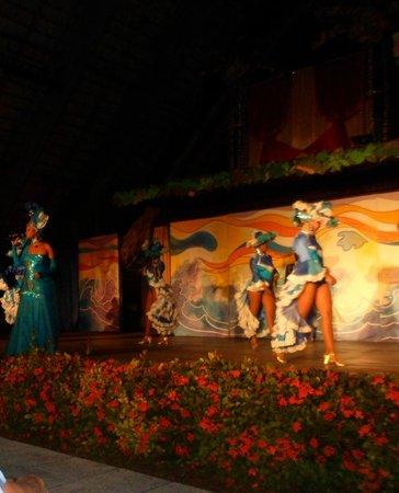 Meliá Las Antillas: una noche cubana!en el teatro maravillosos!!!!