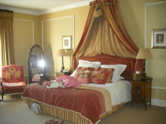 Rowton Hall Hotel: The gorgeous Fairfax Suite!