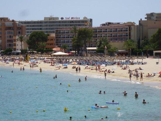 Sol Beach House Mallorca: vue de l'hôtel depuis le nord de la plage