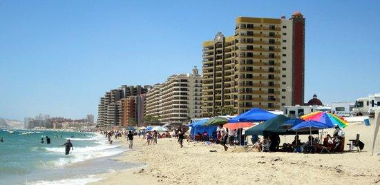 Playa Bonita Hotel: Sandy Beach - Playa Bonita RV Park