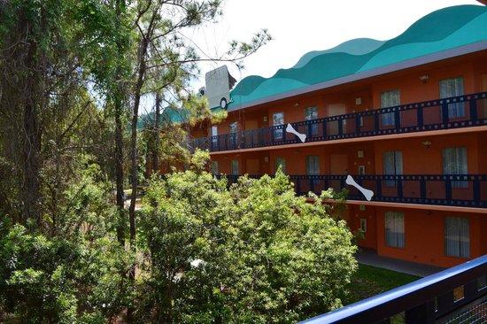 Disney's All-Star Movies Resort: hall dos quartos area dos dálmatas