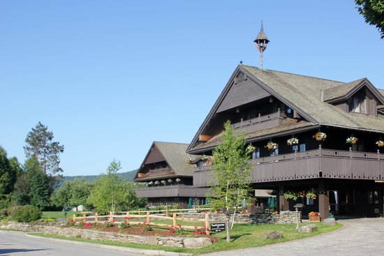 Trapp Family Lodge : Lodge at Early Morning