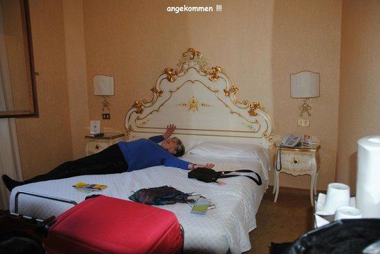 Hotel Continental Venice: Doppelzimmer mit tea/coffe-facilities