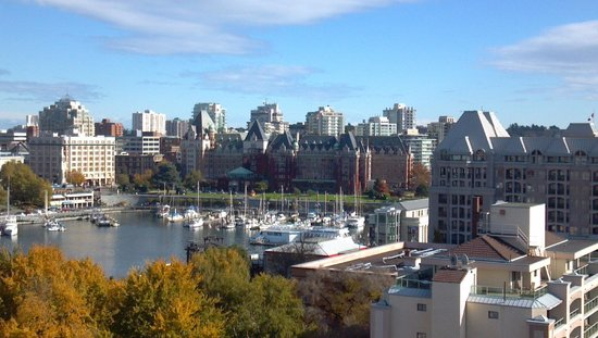 Inner Harbour: Empress Hotel