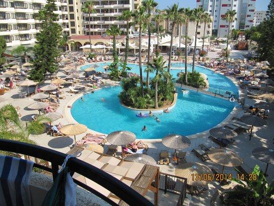 Atlantica Oasis Hotel: pool veiw from room