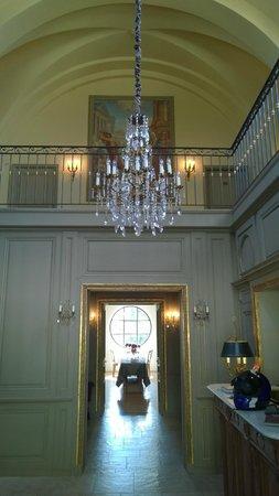 Hôtel Le Sauvage : reception area