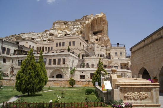 Fresco Cave Suites/Cappadocia: Outside view of hotel