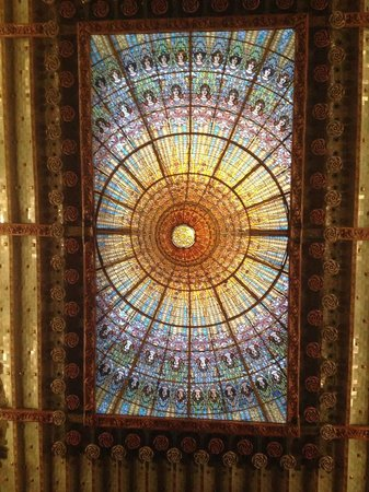 Palais de la Musique Catalane (Palau de la Musica Catalana) : theatre's ceiling