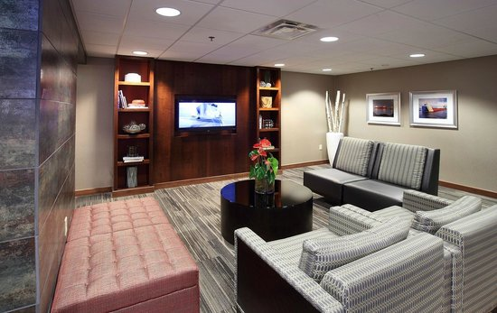 Holiday Inn & Suites Duluth Downtown: Beautifully Remodeled Lobby