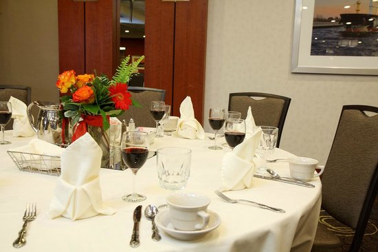 Holiday Inn & Suites Duluth Downtown: Picture your event here.