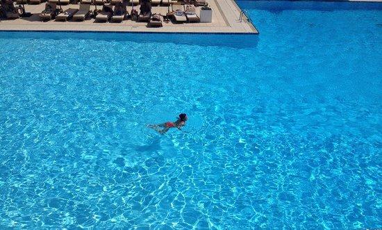 Hotel Las Arenas Balneario Resort: The pool