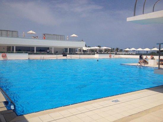 Hotel Las Arenas Balneario Resort : The pool
