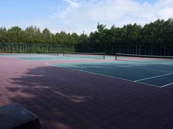 Landmark Resort: Three tennis courts