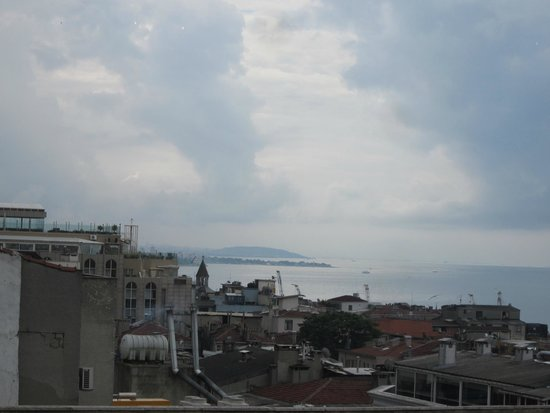 Antik Hotel Istanbul: Nice view from restaurant on 5th floor