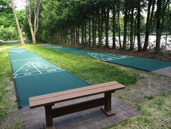 Landmark Resort: Two shuffleboard