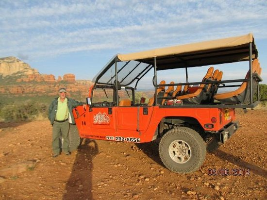 Sedona Offroad Adventures: At a stop to view the beautiful scenery west of Sedona