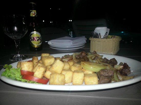 Esmeralda Praia Hotel: Areá Piscina - Opção do cardápio - Carne de sol e queijo qualho