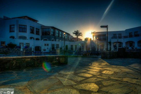 Creta Maris Beach Resort: Terra Building and Swimming Pool