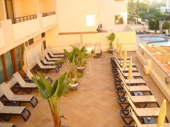 Invisa Hotel La Cala: pool area