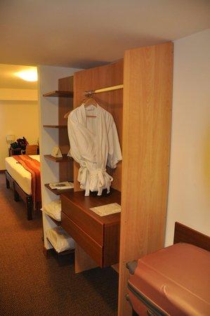 Tierra Viva Miraflores Larco: Armario habitación 507