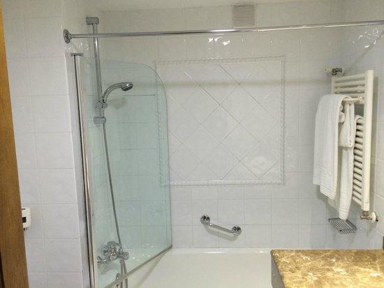 Silken Rio Hotel: baño