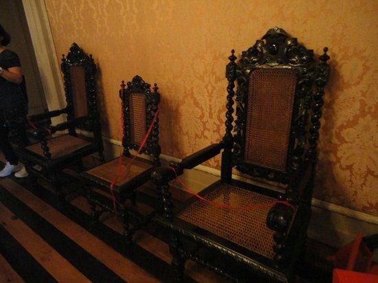 Teatro Amazonas Museum: mobilia original