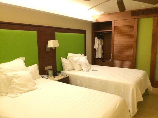 Barcelo Bavaro Palace : Apto Family Deluxe quarto 1 (2 camas)