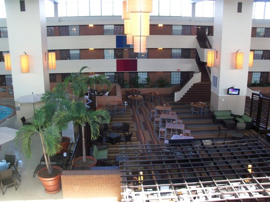 The Inn at Opryland, A Gaylord Hotel: Inner courtyard from 3rd floor