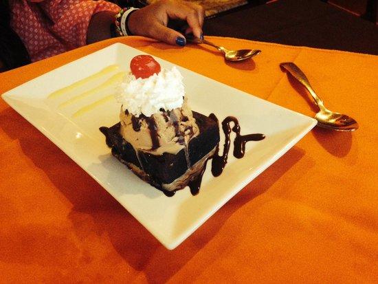 Layla's Restaurante: amazing dessert to end the evening