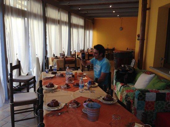 Pergola Rooms: Breakfast club