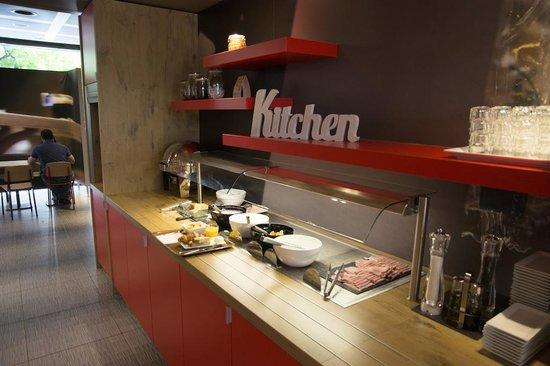 ibis Geneve Centre Nations: Breakfast buffet