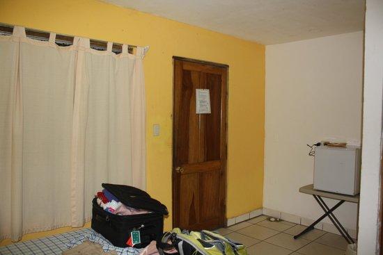 Hotel Aurora: Habitación entrada