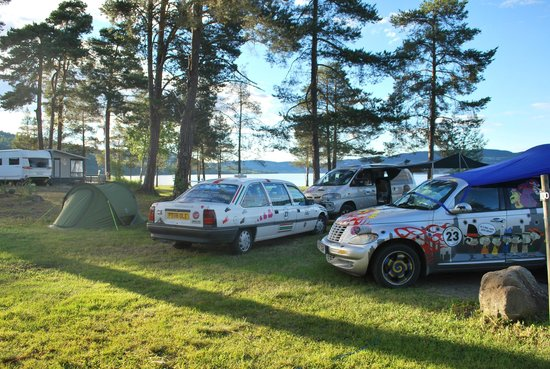 Sveastranda Camping: The Windy 500 Teams pitching up.