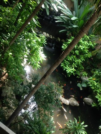 Movenpick Resort & Spa Karon Beach Phuket: Inside hotel