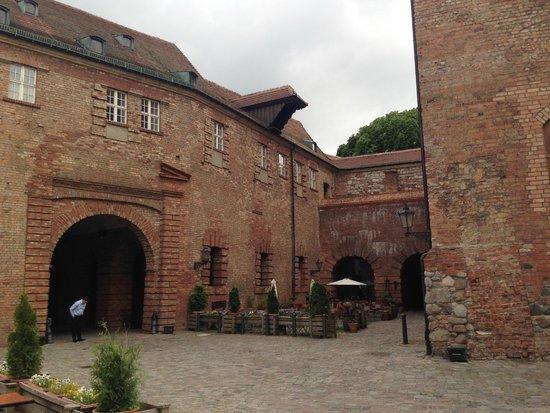 Spandauer Zitadelle: Wejście widok na restaurację