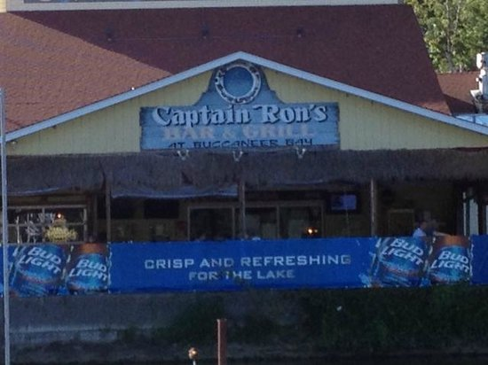 Captain Ron's Bar & Grill: Available by boat too