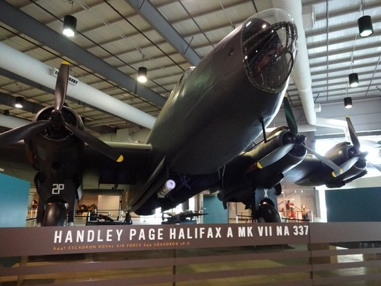 NA337 -- the restored Halifax Heavy Bomber from 1945