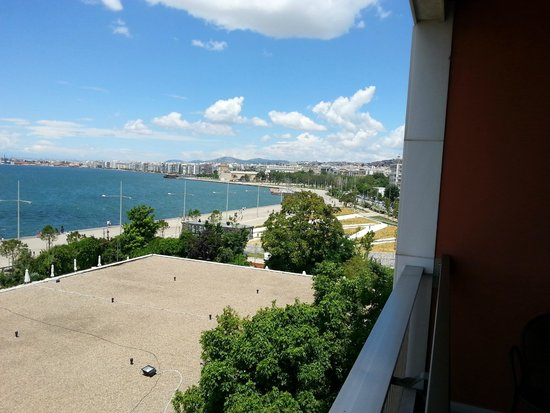 Makedonia Palace : 3rd floor balcony. looking towards the town