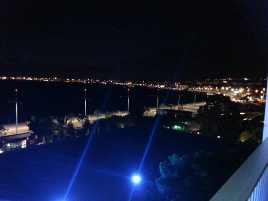 Makedonia Palace : 3rd floor balcony, looking towards the town