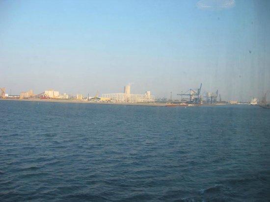 port of Rostock: フェリーよりロストックを望む