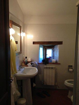Il Poggiarello: Bathroom in Il Pino Apt