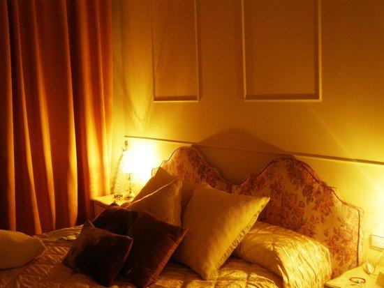 La Casa Azul Bed and Breakfast: classy bedroom