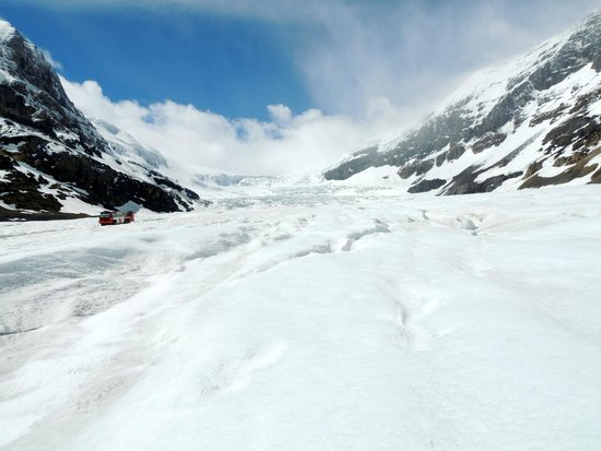 Columbia Icefield Glacier Discovery Centre : On the glacier (via the Ice Walk tour--not sponsored by the Icefield Centre)