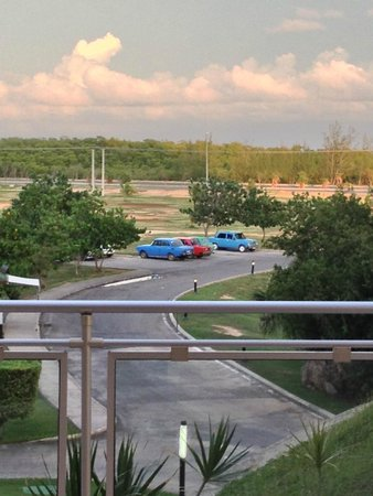 Blau Varadero Hotel Cuba: Hotel parking with Russian Ladas and Moskvitchs