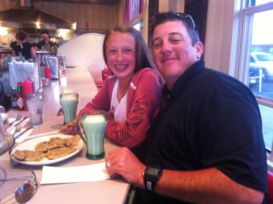 Clayton's Coffee Shop: Warm cookies and milk for two