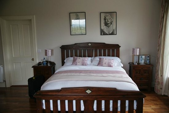 Coill Dara House B&B: Huge, comfortable rooms