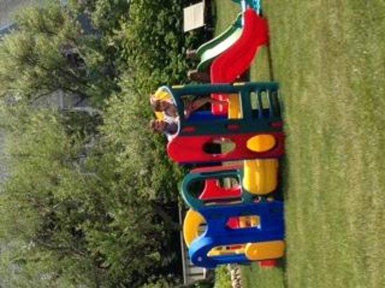 Winnetu Oceanside Resort: playground
